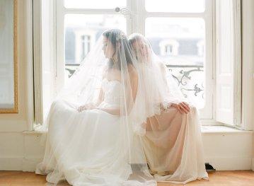 Elegant Blush Parisian Bridal Inspiration Featuring Luxurious Veils and Boudoir Ideas – Bonphotoge 66