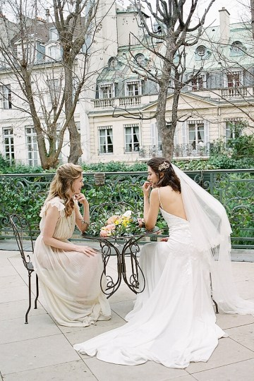 Elegant Blush Parisian Bridal Inspiration Featuring Luxurious Veils and Boudoir Ideas – Bonphotoge 7