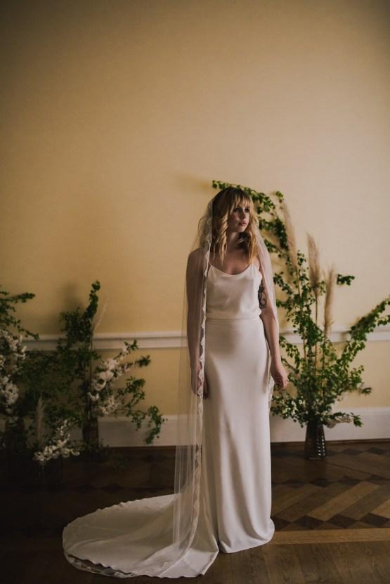 Modern Minimalistic London Wedding Inspiration – Blonde Army – Lisa Jane Photography 17