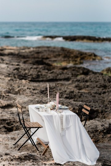 Organic and Foraged Romantic Puglia Wedding Inspiration – Lace and Luce 22