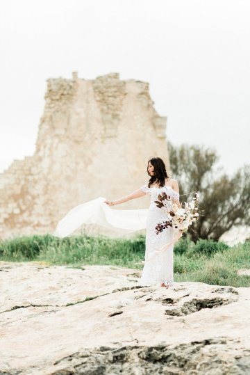 Organic and Foraged Romantic Puglia Wedding Inspiration – Lace and Luce 36