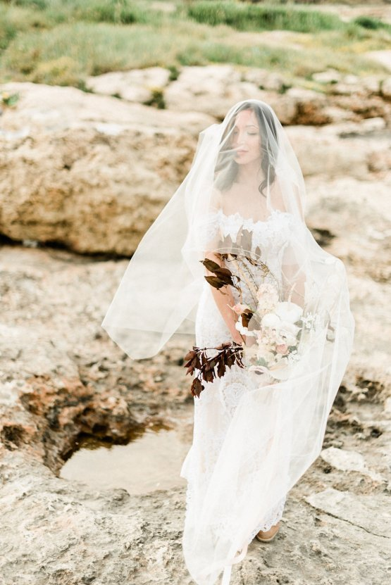 Organic and Foraged Romantic Puglia Wedding Inspiration – Lace and Luce 49