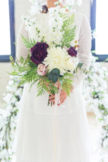 Trendy Loft Wedding Inspiration Featuring A Triangle Altar – Deluxe Blooms 25