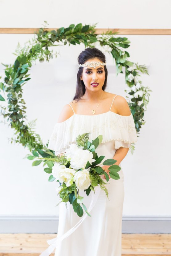 Trendy Loft Wedding Inspiration Featuring A Triangle Altar – Deluxe Blooms 55