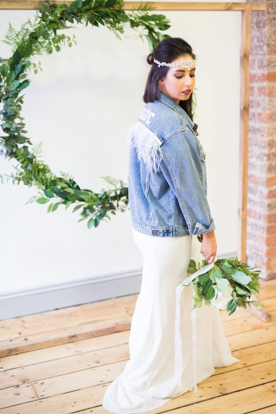 Trendy Loft Wedding Inspiration Featuring A Triangle Altar – Deluxe Blooms 56