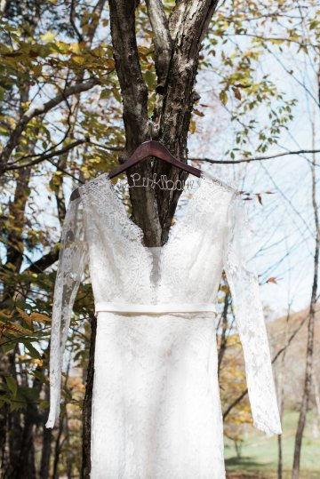 Warm Fall Catskills Wedding With Ceremony Sparklers – Christina Lilly Photography – Buds of Brooklyn 20