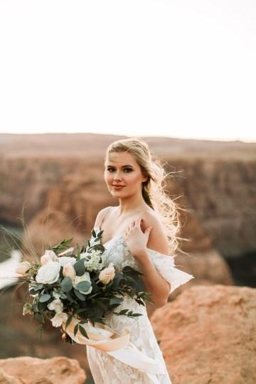 Wild and Bohemian Horseshoe Bend Wedidng Inspiration – Carmela Joy Photography – Luv Bridal 32