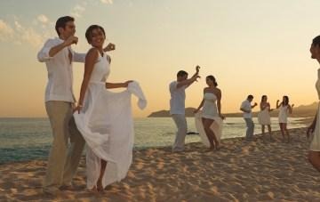 6 Ideas For Planning The Perfect Destination Wedding Weekend (& Honeymoon!)