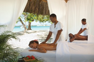 Four Jamaican Honeymoon Resorts We're Dying To Visit – Couples Negril 2