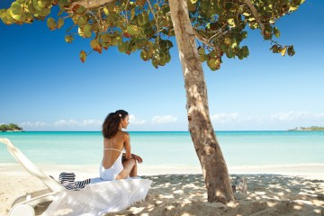 Four Jamaican Honeymoon Resorts We're Dying To Visit – Couples Negril 3