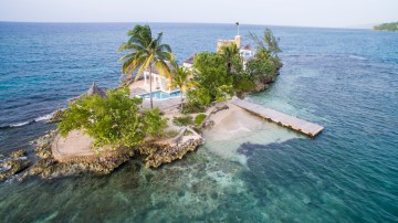 Four Jamaican Honeymoon Resorts We're Dying To Visit – Couples Tower Isle 6
