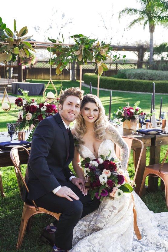 Metallic Copper Wedding Inspiration With A Creative Hexagon Altar – Allie Marion 39