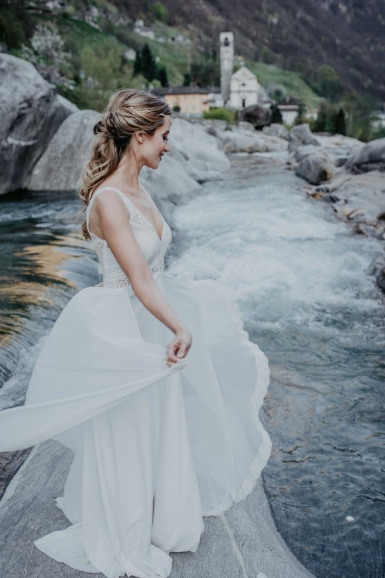 Misty Blue River Goddess Bridal Inspiration – Jaypeg Photography 19