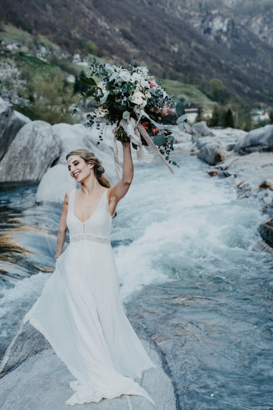 Misty Blue River Goddess Bridal Inspiration – Jaypeg Photography 27