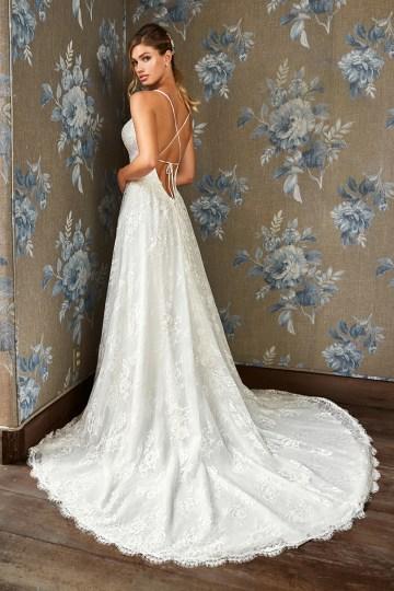 10 Stunning Wedding Dresses By Destination – Val Stefani Dahlia Dress 2