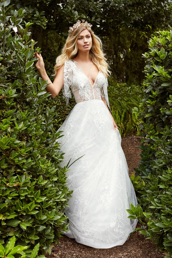 10 Stunning Wedding Dresses By Destination – Val Stefani Everest Dress 3