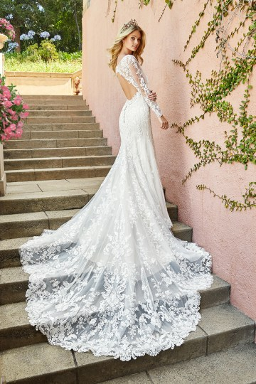 10 Stunning Wedding Dresses By Destination – Val Stefani Tamar Dress 2