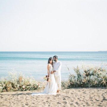 Dreamy Greek Beach Picnic Elopement In Neutral – Elisabeth Van Lent28