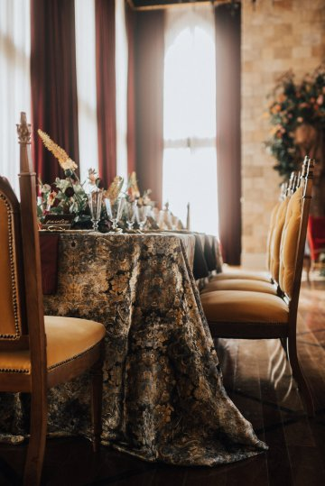 Luxe Mansion Wedding Inspiration Featuring Masculine Florals and Deep Tones – Alex Tenser – Swoon Soiree 16