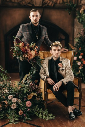 Luxe Mansion Wedding Inspiration Featuring Masculine Florals and Deep Tones – Alex Tenser – Swoon Soiree 38