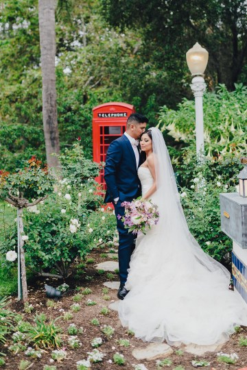 Rustic and Luxurious Southern California Wedding With Stunning Florals – Full Spectrum Photography 29