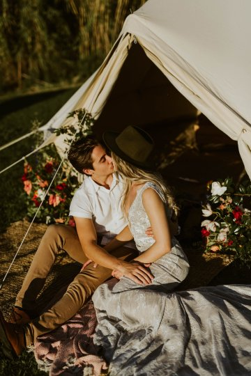 Bohemian Glamping Wedding and Proposal Inspiration – Lindie Wilton Photography 12