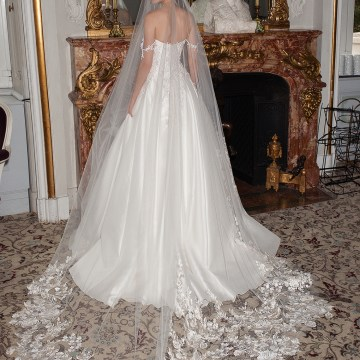 How To Look Like Royalty On Your Wedding Day – Galia Lahav Couture Dress Collection – AIDA + CHIQUITA VEIL