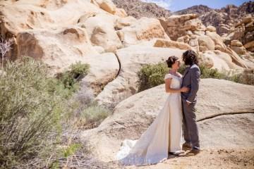 Amazing Vintage Joshua Tree Camping Wedding – Someplace Images 4