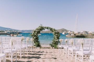 Boho Greek Island Wedding Featuring A Circle Floral Arch – Paulina Weddings 35