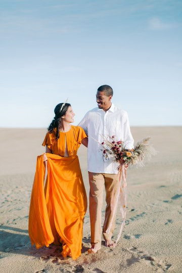 How to Style Your Engagement Session for the Perfect Save The Date – Minted Weddings 3