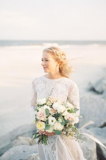 Intimate Southern Boho Beach Wedding in Charleston – Ava Moore Photography 28