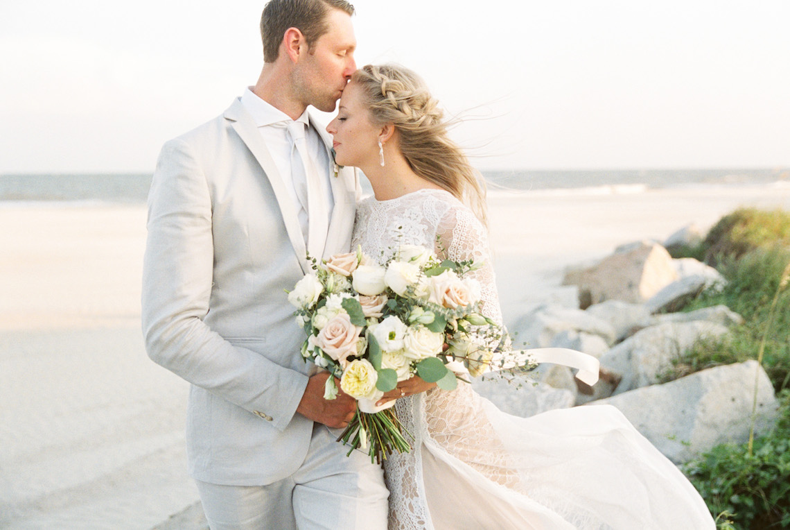 Intimate Southern Boho Beach Wedding in Charleston – Ava Moore Photography 4