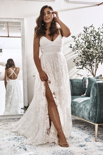 10 Reasons You Should Shop for Your Wedding Dress at The Grace Loves Lace NYC Boutique – Megan Gown 4
