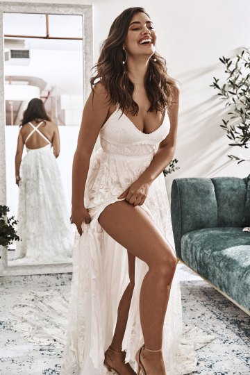 10 Reasons You Should Shop for Your Wedding Dress at The Grace Loves Lace NYC Boutique – Megan Gown 5