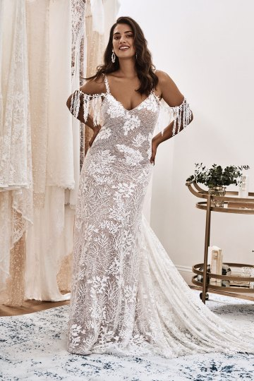 10 Reasons You Should Shop for Your Wedding Dress at The Grace Loves Lace NYC Boutique – Sol Gown 2