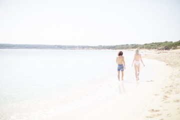 Dreamy Romantic Formentera Spain Honeymoon and Wedding Inspiration – Sandra Aberg 4