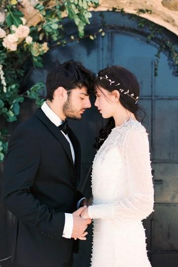 Luxurious Wedding Inspiration From An Ancient Greek Chapel – Nina Wernicke 10