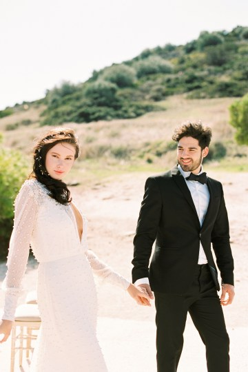Luxurious Wedding Inspiration From An Ancient Greek Chapel – Nina Wernicke 15
