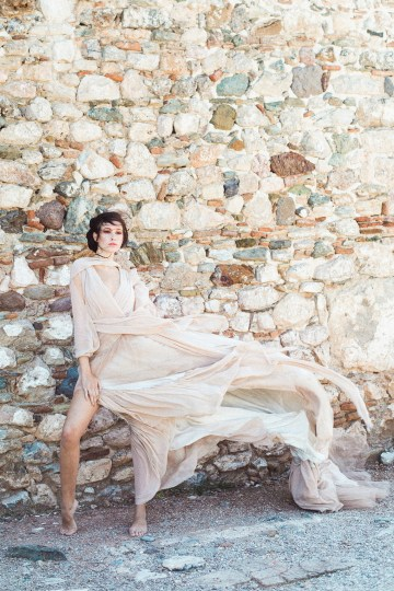 Luxurious Wedding Inspiration From An Ancient Greek Chapel – Nina Wernicke 43