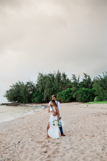 Playful and Intimate North Shore Oahu Beach Wedding – Chelsea Stratso Photography 24