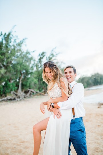 Playful and Intimate North Shore Oahu Beach Wedding – Chelsea Stratso Photography 30