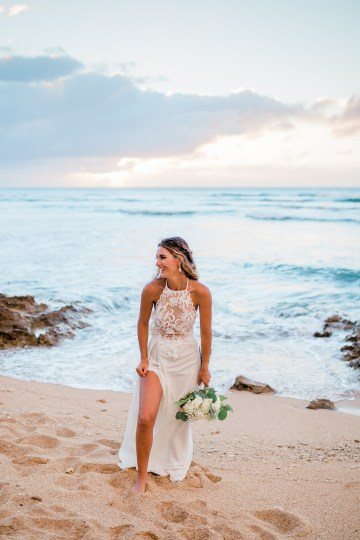 Playful and Intimate North Shore Oahu Beach Wedding – Chelsea Stratso Photography 34