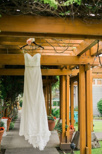 Cannon Beach Bonfire Wedding With Smores – Marina Goktas Photography 16