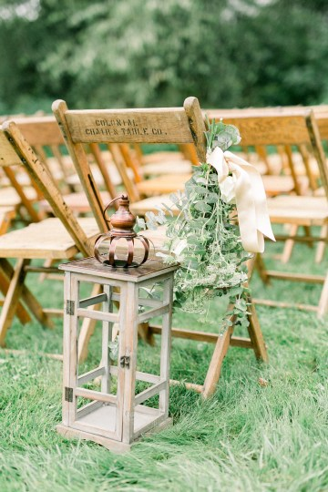 Eclectic Detail-filled Ohio Farm Wedding with a Donut Wall and Espresso Cart – Mandy Ford Photography 45