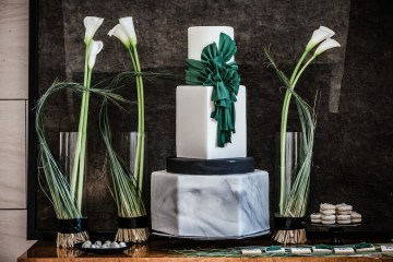 Sleek and Sexy Modern Wedding Inspiration in Emerald – Marcella Cistola 3