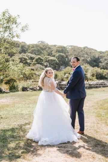 Cheery Marthas Vineyard Summer Wedding – Lena Mirisola Weddings 28