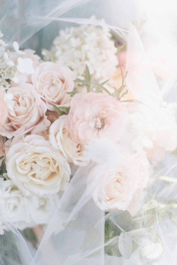Cheery Marthas Vineyard Summer Wedding – Lena Mirisola Weddings 8