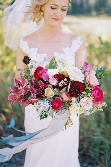 Colorful Colorado Wedding with Stunning Mountain Views – Callie Hobbs – Banks and Leaf 12