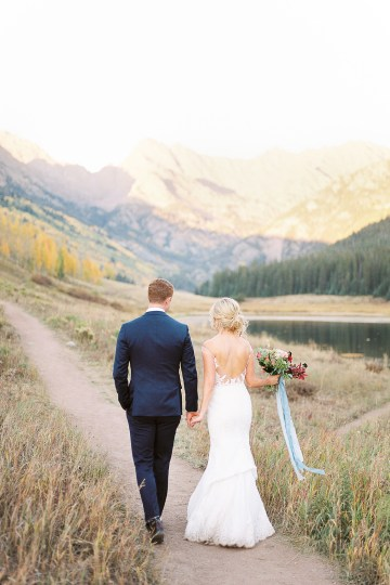 Colorful Colorado Wedding with Stunning Mountain Views – Callie Hobbs – Banks and Leaf 33