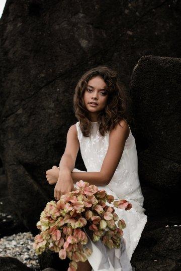Effortlessly Cool Lava Rock Beach Wedding Inspiration in Byron Bay – Megan Kelly Photo 17